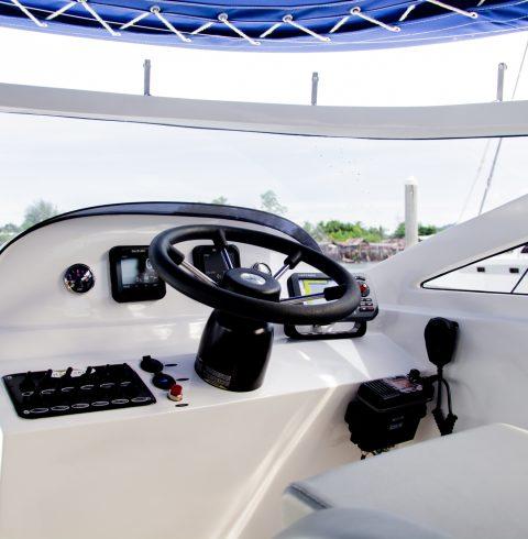Lucus-11-Captain-Seat